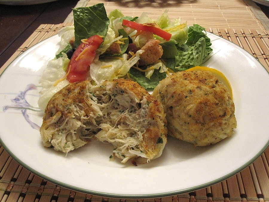 Richard's Fish & Crabs Jumbo Lump Crab Cake
