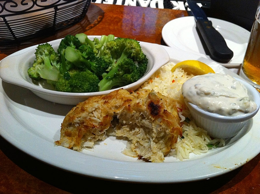 Two Rivers Crab Cake Entree