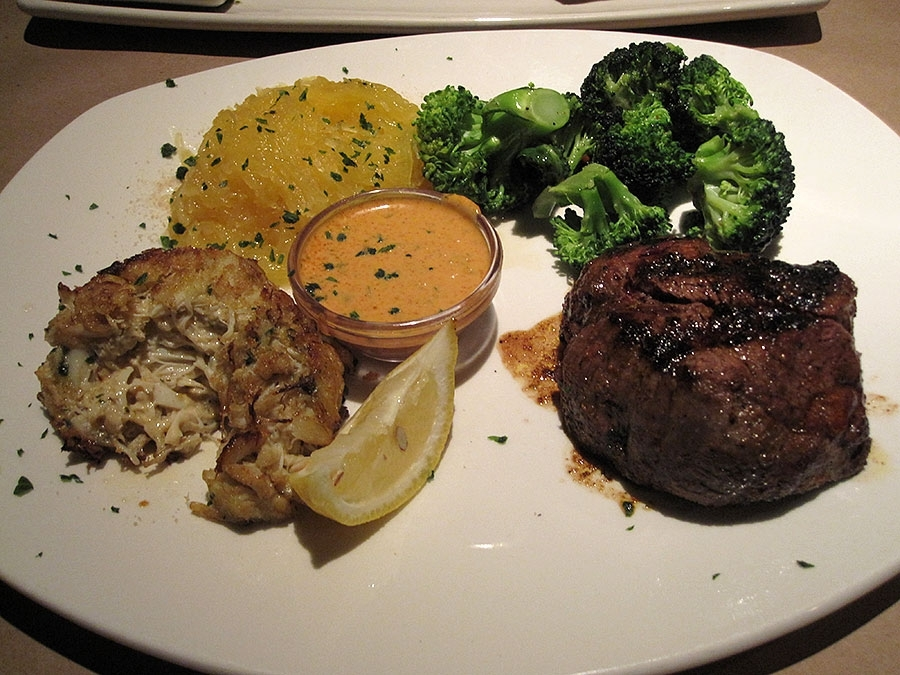 Bonefish Grill Steak and Crab Cake