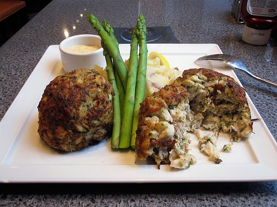 17 Light Maryland Lump Crab Cakes