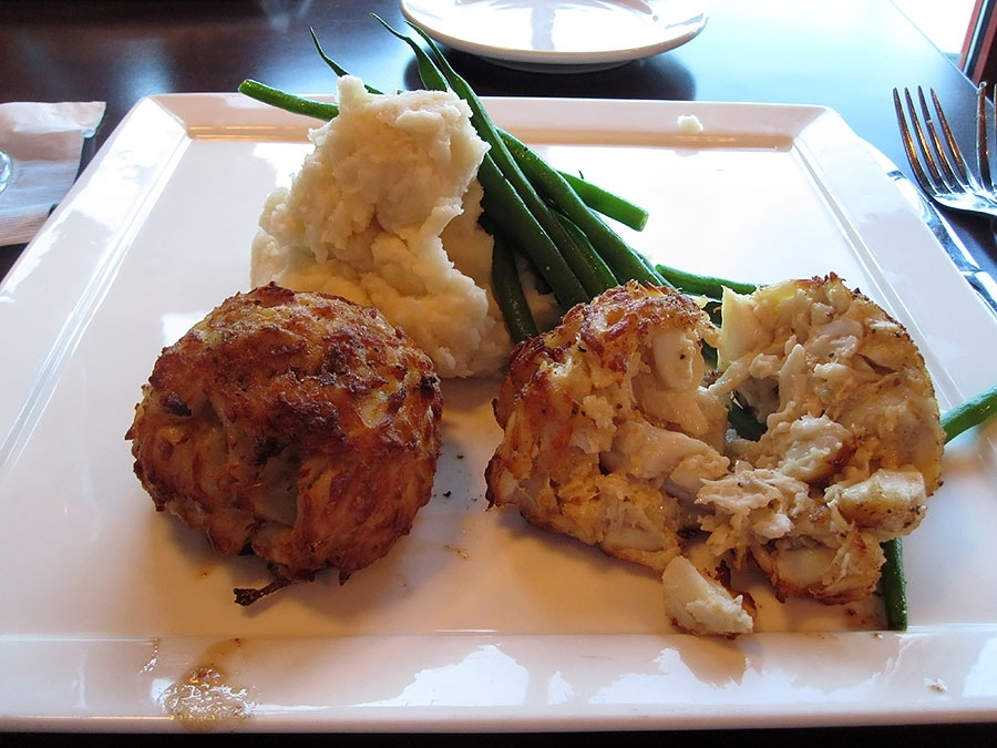 Lib's Grill Crab Cakes