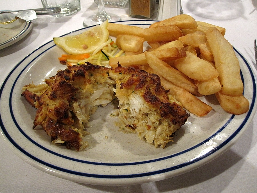 By The Docks Single Crab Cake Platter